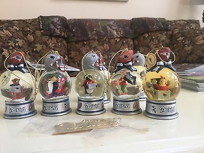 New England Patriots Snow Globe Ornaments ~ Danbury Mint NFL Patriots Christmas