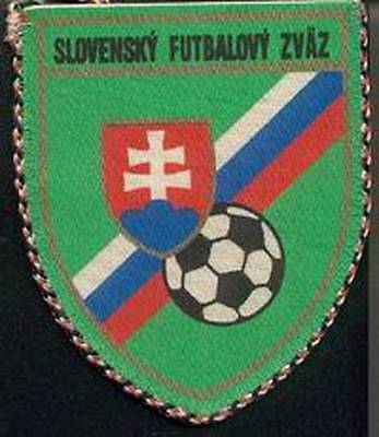 SLOVAKIA FOOTBALL FEDERATION OLD LOGO SMALL PENNANT #3 EURO 2016