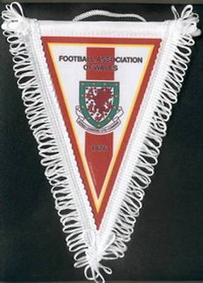 WALES FOOTBALL FEDERATION MEDIUM PENNANT EURO 2016 #2 NEW SEALED